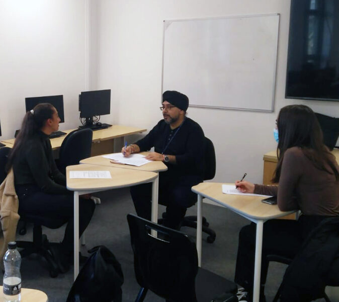 Science students at Havering Sixth Form get MMI training from University of Leicester