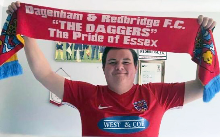 Daggers super-fan Charlie sets up Legends match